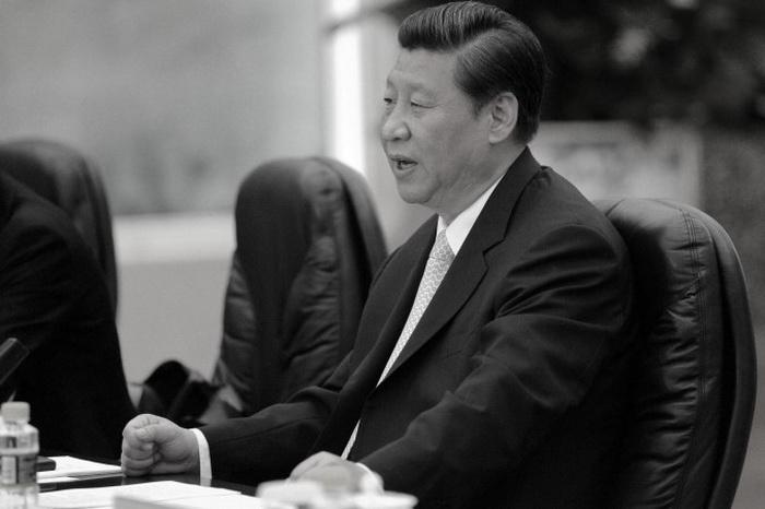 Лидер коммунистической партии Китая Си Цзиньпин на встрече с премьер-министром Эфиопии в Большом зале народных собраний в Пекине, 14 июня 2013 года. Си Цзиньпин, после прихода к власти в ноябре прошлого года, последовательно ослаблял влияние бывшего лидера режима Цзян Цзэминя. Фото: Goh Chai Hin/AFP/Getty Images