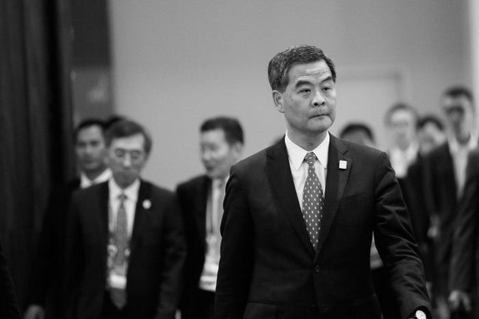 Гонконгский руководитель Лен Чунь-ин прибыл на встречу лидеров во время Азиатско-Тихоокеанского форума экономического сотрудничества в Бали, Индонезия, в понедельник, 7 октября 2013 г. Во время встречи APEC у Лена была 40-минутная встреча с главой китайской коммунистической партии Си Цзиньпином. Фото: Putu Sayoga/Getty Images