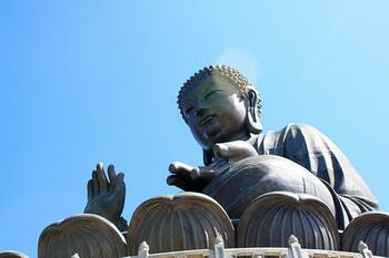 Большие округлые мочки ушей — предвестники удачи и счастливой судьбы. Традиционно Будда изображается с длинными округлыми мочками ушей. Фото: iriskh/Flickr