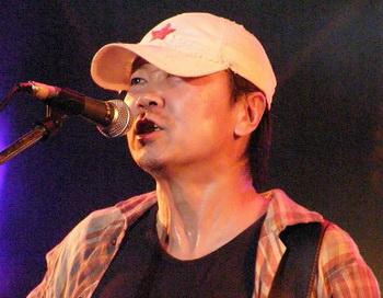 Известный китайский рок-певец Цуй Цзянь. Фото: yangon/flickr.com