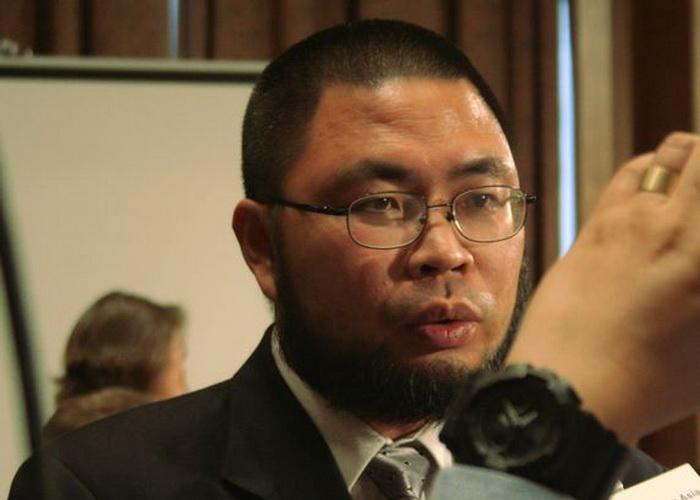Вэнь Юньчао (псевдоним «Бэй Фэн») является независимым журналистом и блогером. Он выступал 25 июня перед Исполнительной комиссией Конгресса США по Китаю, рассказав, как китайские кибератаки повлияли на его жизнь и работу. Фото: Gary Feuerberg/Epoch Times
