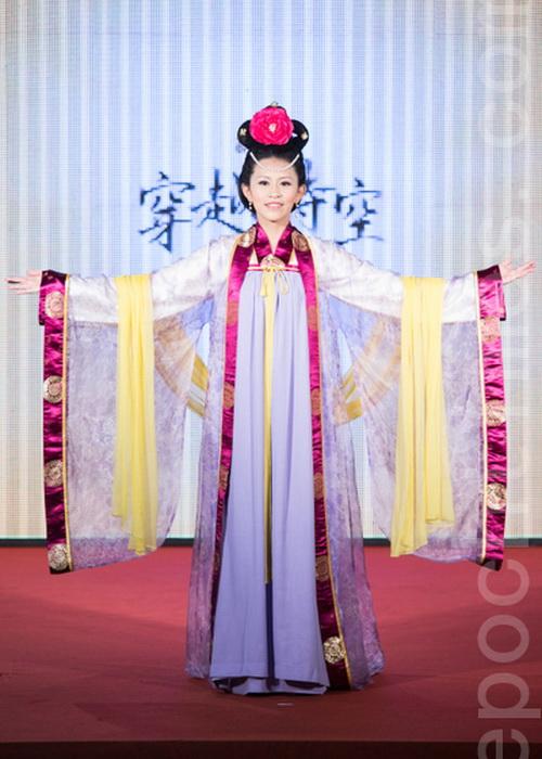 Победительница конкурса Гао Цзявэй из Университета Фужэнь. Фото: Чэнь Байчжоу/Великая Эпоха (The Epoch Times)