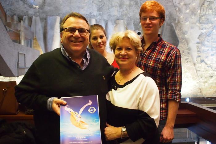 Франсуа Бриссон с семьёй. Фото: en.minghui.org