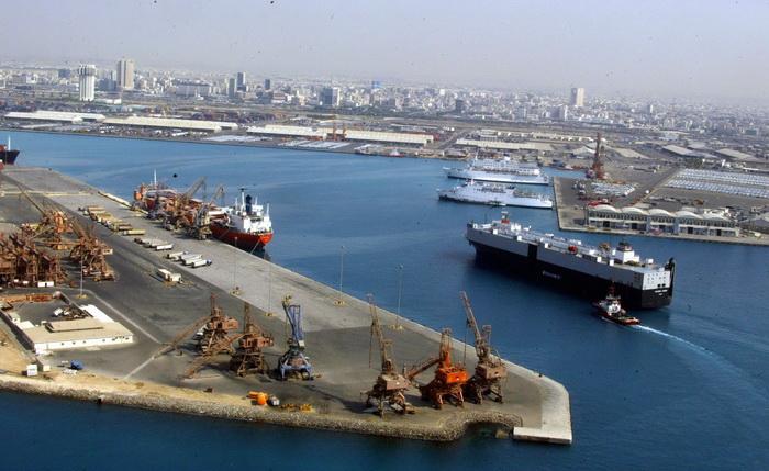 Порт Джидда в Саудовской Аравии. Китайский корабль снабжения причалил к порту Саудовской Аравии. Фото: KARIM SAHIB/AFP/Getty Images