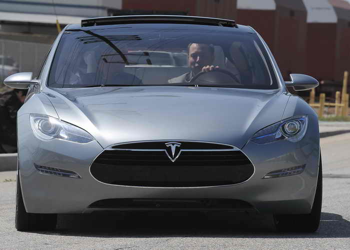 Tesla Model S. Фото: ROBYN BECK/AFP/Getty Images