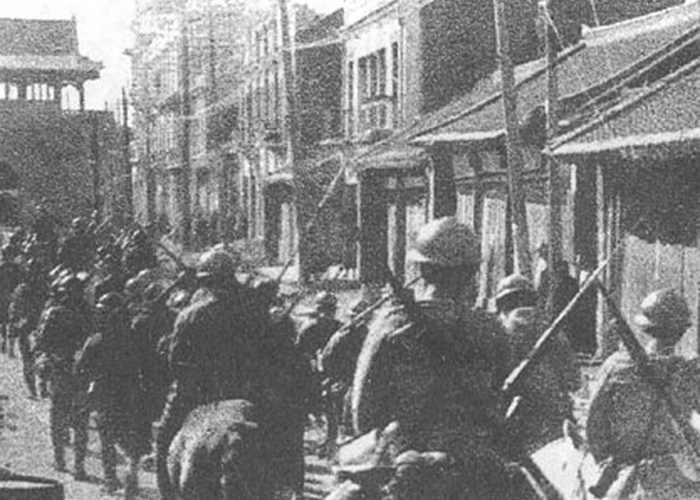 Японские войска вошли в Шэньян (раньше назывался Мукдень) в 1931 году. Фото: Japanfocus.org / Wikipedia
