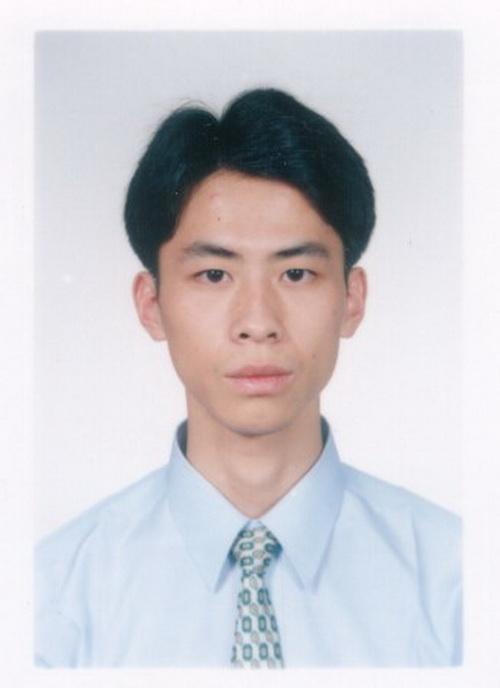 Фотография Хуан Сюна, последователя Фалуньгун, который «потерялся» в апреле 2003 г. Огромное, но точно не известное количество последователей Фалуньгун пропало без вести в течение 14 лет, во время которых эта духовная практика преследовалась и продолжает преследоваться в Китае. Фото предоставлено Huang Wanqing
