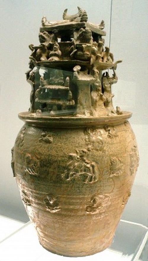 Сосуд Хуньпин с буддийскими фигурами династии Западная Цзинь. Из периода «Шесть династий». Фото: WikiCommons