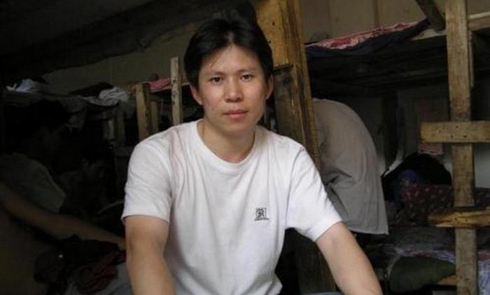 Правозащитник Сюй Чжиюн. Г-н Сюй является видным активистом и одним из основателей группы, способствующей гражданскому обществу. Его приговорили к четырём годам тюремного заключения. Фото: Weibo.com
