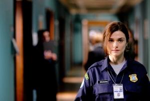Рейчел Вайс в роли полицейской Кэти Болковак. Фото: Seville Pictures