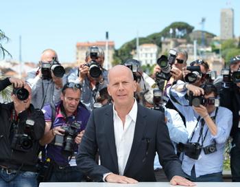 Брюс Уиллис на Каннском кинофестивале в 2012 году. Фото:  ALBERTO PIZZOLI/AFP/GettyImages