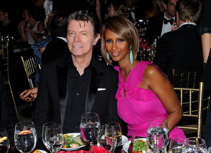David Bowie and supermodel Iman. Фото:  Andrew H. Walker/Getty Images for DKMS