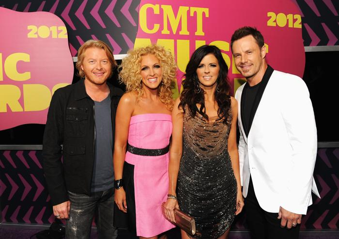 Участники CMT Music awards. Philip Sweet, Kimberly Schlapman, Karen Fairchild, and Jimi Westbrook.  Фоторепортаж из  Нэшвилла. Фото: Rick Diamond/Getty Images for CMT