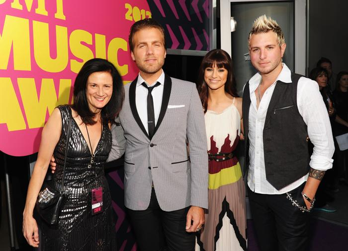 Участники CMT Music awards. Leslie Fram, музыканты Tom Gossin, Rachel Reinert и Mike Gossin. Фоторепортаж из  Нэшвилла. Фото: Rick Diamond/Getty Images for CMT