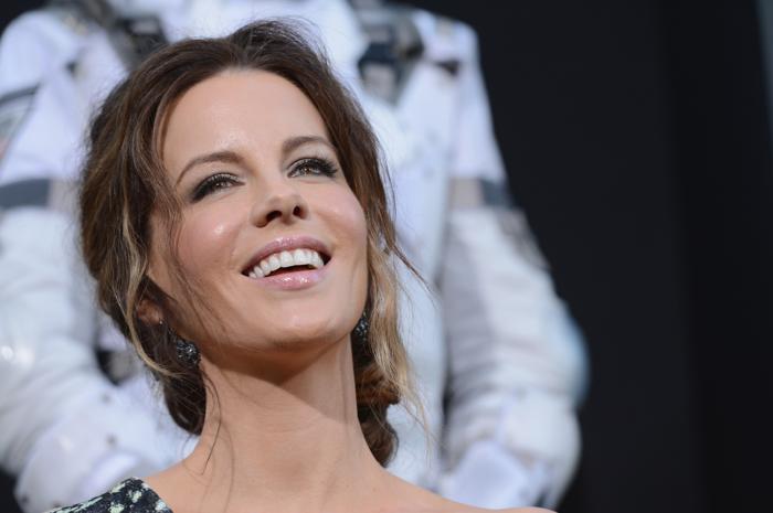 Знаменитости на премьере фильма «Вспомнить все». Jessica Biel. Фоторепортаж из  Голливуда.  Фото: Kevin Winter/Getty Images