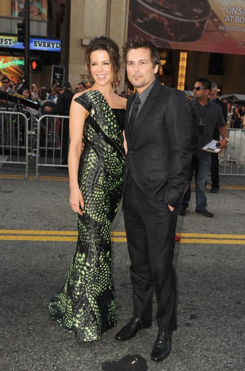 Знаменитости на премьере фильма «Вспомнить все». Kate Beckinsale; Len Wiseman. Фоторепортаж из  Голливуда.  Фото: Kevin Winter/Getty Images