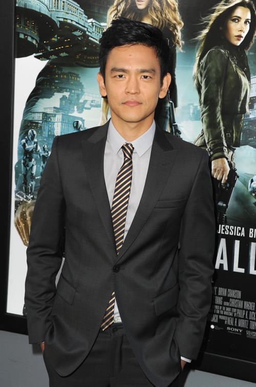 Знаменитости на премьере фильма «Вспомнить все». John Cho. Фоторепортаж из  Голливуда.  Фото: Kevin Winter/Getty Images