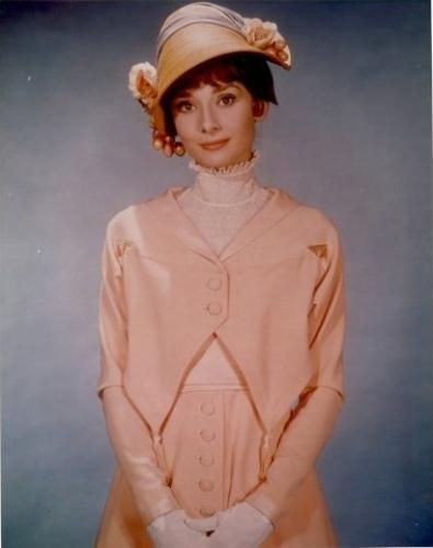 Одри Хепберн  -   самая  красивая  женщина XX столетия. Фото с сайта  peoples.ru