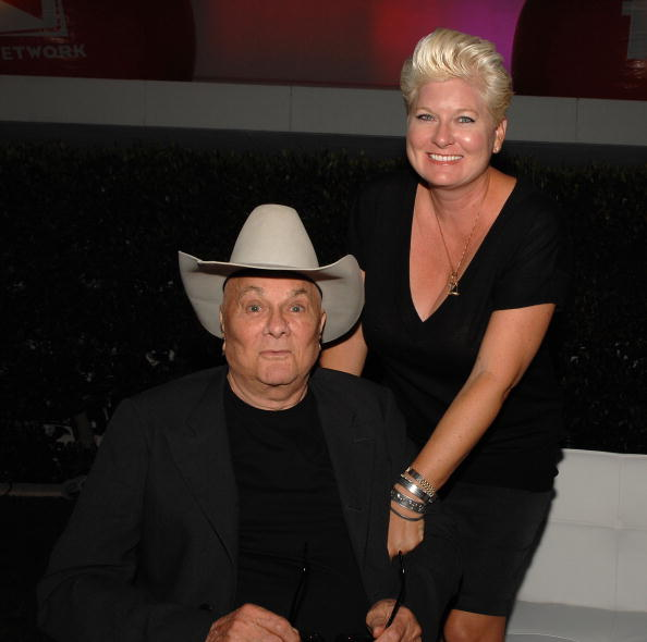 Тони Кертис (Tony Curtis) с женой Джилл Ванденберг Кертис. Фото: Frederick M. Brown/Getty Images