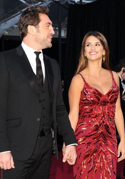 83-я церемония вручения призов Киноакадемии США «Оскар». Хавьер Бардем с супругой Пенелопой Крус. Фото: Jason Merritt/Getty Images
