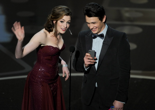 83-я церемония вручения призов Киноакадемии США «Оскар». Энн Хэтэуэй и Джеймс Франко. Фото: Kevin Winter/Getty Images