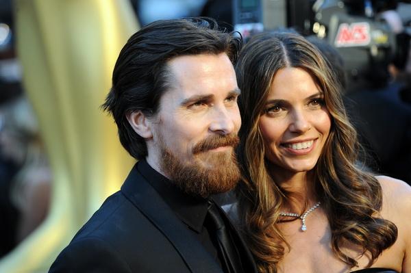 83-я церемония вручения призов Киноакадемии США «Оскар». Кристиан Бэйл с супругой Сиби Бэйл. Фото: ROBYN BECK/AFP/Getty Images
