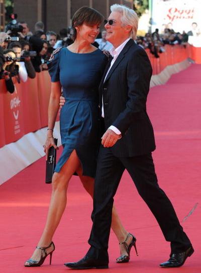 Актер Ричард Гир с супругой Кэри Лоуэлл на премьере фильма «Чикаго» в Лондоне, Англия. Фото: ALESSANDRO ABBONIZIO/AFP/Getty Images