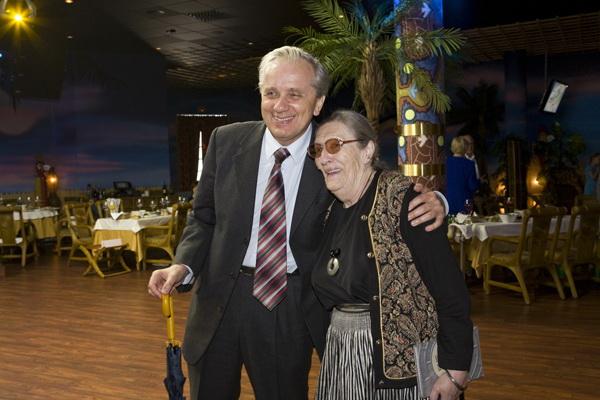 Евгений Стеблов и Лика Авербах на торжественном вечере. Фото с сайта film.ru