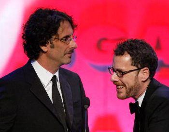Режиссеры Джоэл и Итэн Коэны. Фото: Vince Bucci/Getty Images for DGA