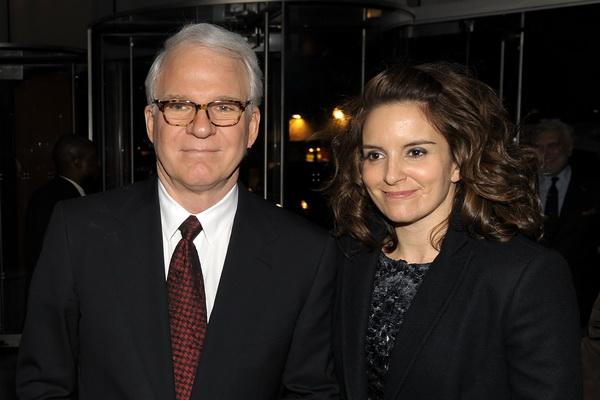 Актер Стив Мартин и актриса Тина Фей посетили премьеру фильма «Простые сложности» в Нью-Йорке. Фото: Stephen Lovekin/Getty Images