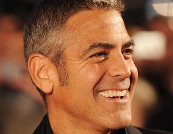Исполнитель главной роли в фильме «Безумный спецназ» Джордж Клуни на премьере фильма в Лондоне, Англия. Фото: Ian Gavan/Getty Images