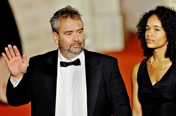 Французский кинорежиссер Люк Бессон с супругой Вирджинией Сила. Фото: PHILIPPE LOPEZ/AFP/Getty Images