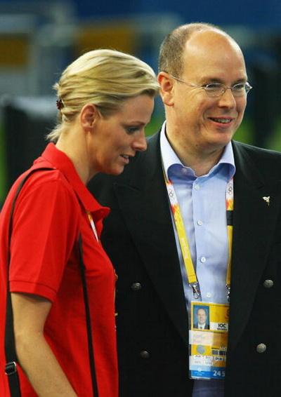 Принц Монако Альберт II со своей невестой Шарлин Уитсток на Олимпийских играх 2008 в Пекине. Фото: Clive Brunskill/Getty Images