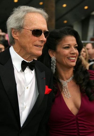 Клинт Иствуд с супругой Диной Иствуд. Фото: Frazer Harrison/Getty Images