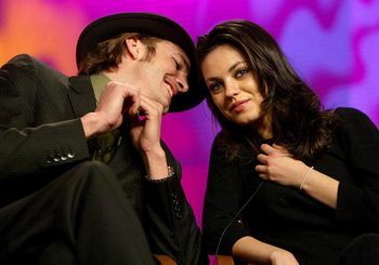 Эштон Катчер и Мила Кунис. Фото: Kevin Winter/Getty Images