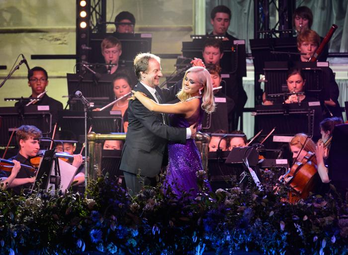 Кэтрин Джеркинс выступила на концерте в первый день Коронационного фестиваля в саду Букингемского дворца (Лондон) 11 июля 2013 года. Фото: Dominic Lipinski - WPA Pool/Getty Images
