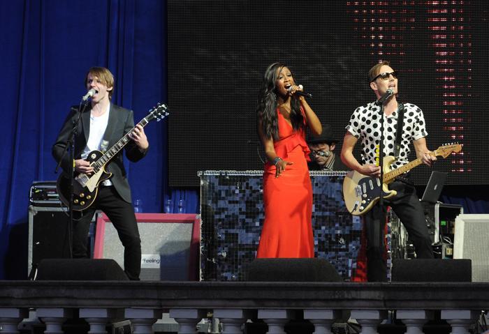 Беверли Найт (Beverley Knight) выступила на концерте в первый день Коронационного фестиваля в саду Букингемского дворца (Лондон) 11 июля 2013 года. Фото: Stuart C. Wilson/Getty Images
