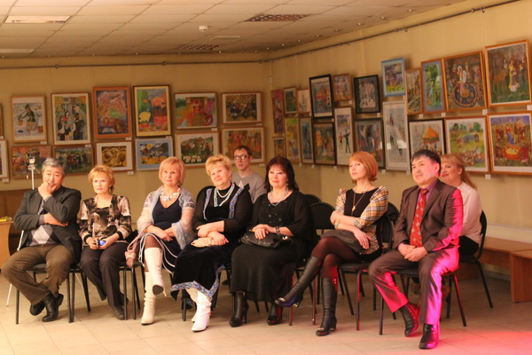 Вечер камерной музыки с участием восходящей звезды Руслана Ивакина для женщин-предпринимателей прошел 5 марта в выставочном зале г. Абакана. Фото: Чанкова И. И.