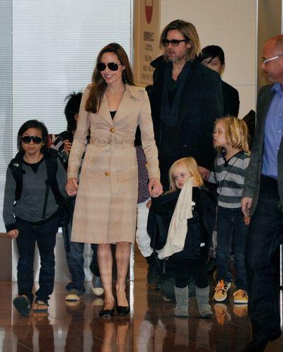 «Человек, который изменил все». Брэд Питт и Анджелина Джоли с детьми прибыли на премьеру фильма «Человек, который изменил все» в Токио, Япония. Фото: TORU YAMANAKA/AFP/Getty Images