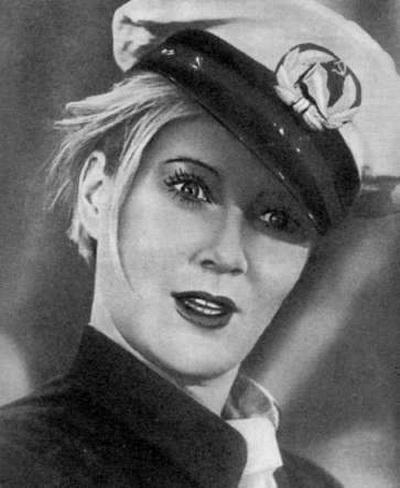 Любовь Орлова. Кадр из кинофильма «Волга-Волга» (1938). Фото с сайта kino-teatr.ru