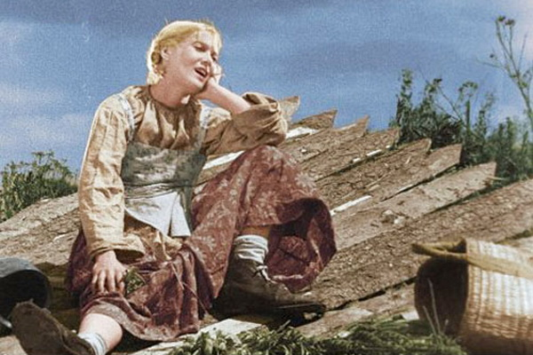 Любовь Орлова. Кадр из кинофильма «Веселые ребята» (1934). Фото с сайта kino-teatr.ru