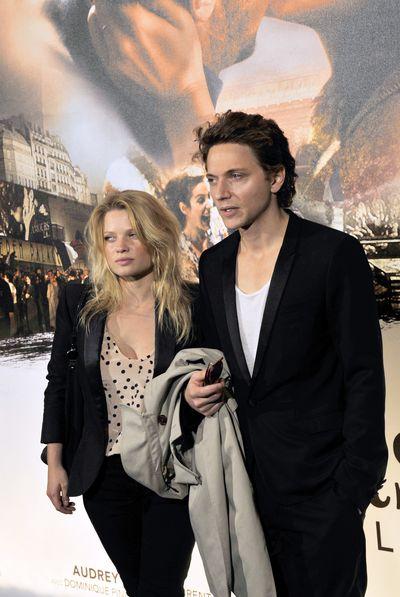 «Женщина и мужчины». Певец Рафаэль и актриса Мелани Тьерри на премьере фильма «Женщина и мужчины» в Париже. Фото: BORIS HORVAT/AFP/Getty Images