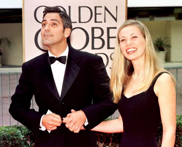 Джордж Клуни. Джордж Клуни со своей девушкой Селиной на 55-й церемонии вручения призов «Золотой глобус». 1998 год. Фото: HAL GARB/AFP/Getty Images