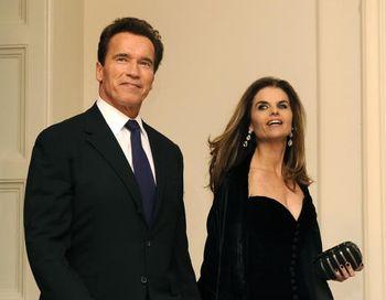 Арнольд Шварценеггер с супругой Марией Шрайвер. Фото: Mike Theiler-Pool/Getty Images