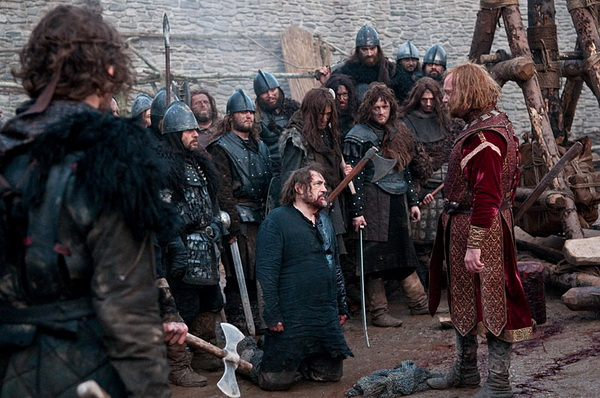 «Железный рыцарь». В центре Брайан Кокс (барон Олбани) и Пол Джаматти (король Джон) в фильме «Железный рыцарь». Фото с сайта kino-teatr.ru