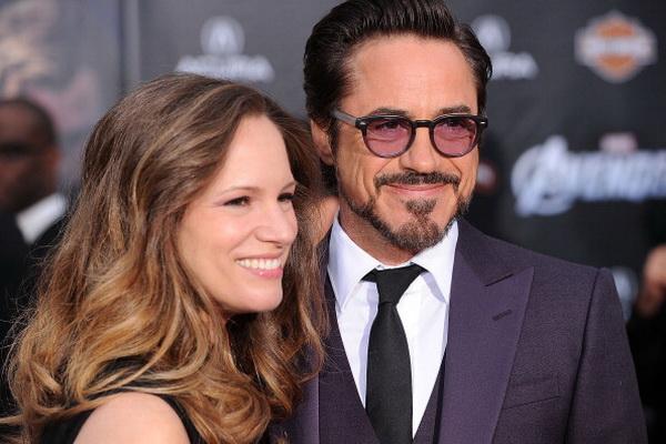 «Мстители». Роберт Дауни мл. (Тони Старк/Железный человек) с супругой Сюзан Дауни на премьере фильма «Мстители» в Голливуде, Калифорния. Фото: Jason Merritt/Getty Images