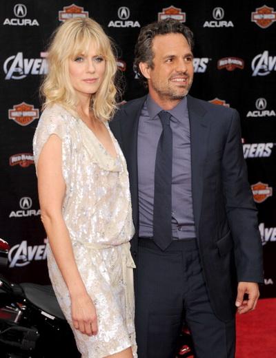 «Мстители». Марк Руффало (Халк) с супругой Санрайз Когни на премьере фильма «Мстители» в Голливуде, Калифорния. Фото: Kevin Winter/Getty Images