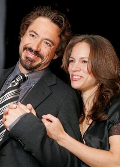 Роберт Дауни мл. и Сюзан Левин на премьере фильма «Поцелуй навылет». 2005 год. Фото: Kevin Winter/Getty Images