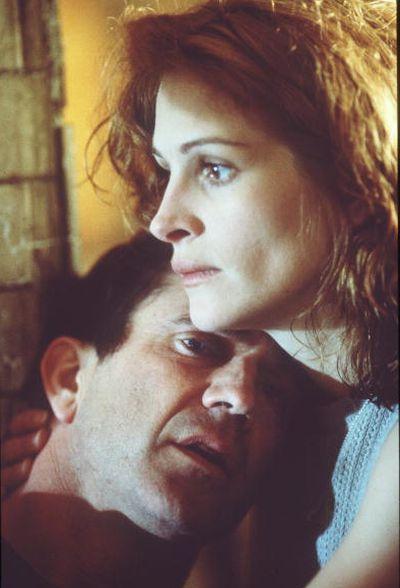 Джулия Робертс и Мэл Гибсон в фильме «Теория заговора». 1997 год. Фото: Getty Images