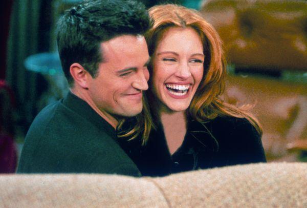 Джулия Робертс и Мэттью Перри в сериале «Друзья». 2000 год. Фото: Liaison /Getty Images